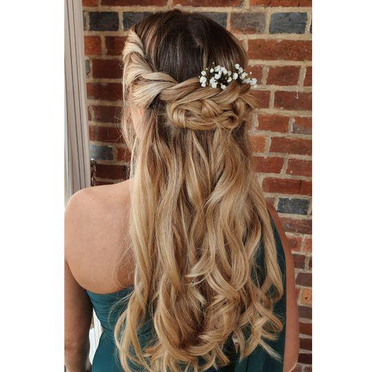 Beauty, Hair & Make Up Avasa 5
