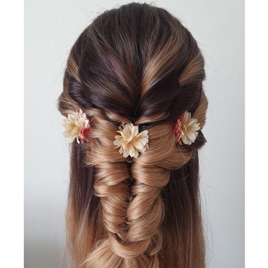 Beauty, Hair & Make Up Avasa 7