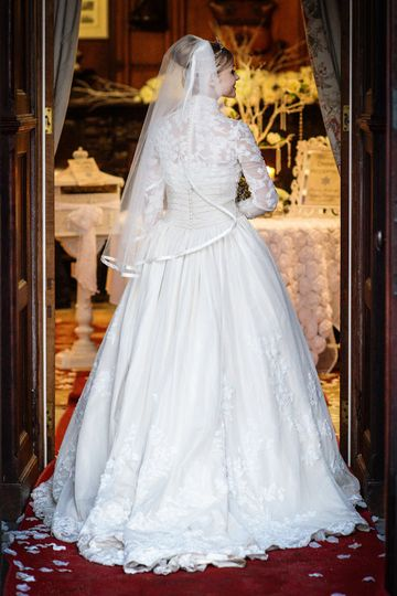 Bride at Gryn Castle