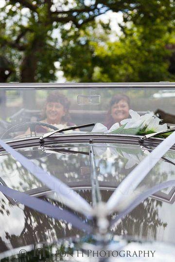Leon H Photography - Wedding car