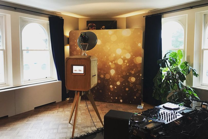 Open-air wooden photo booth