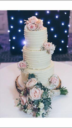 Cakes Icing Elegance 32