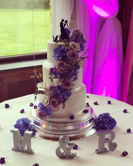 Cakes Icing Elegance 33