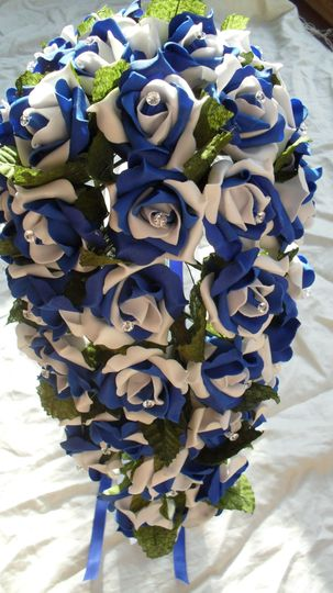 Royal blue and white teardrop