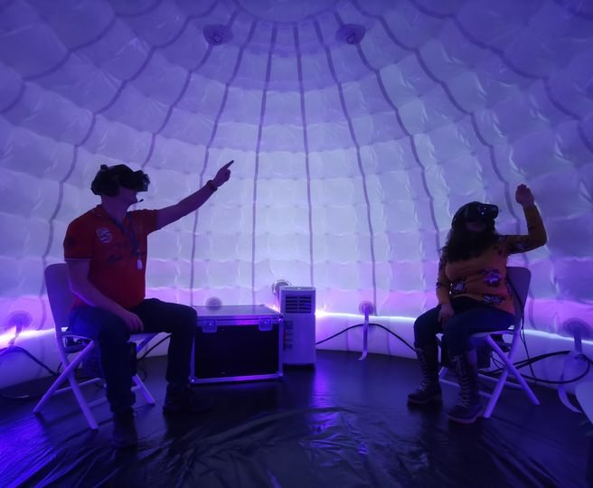 Virtual reality igloo