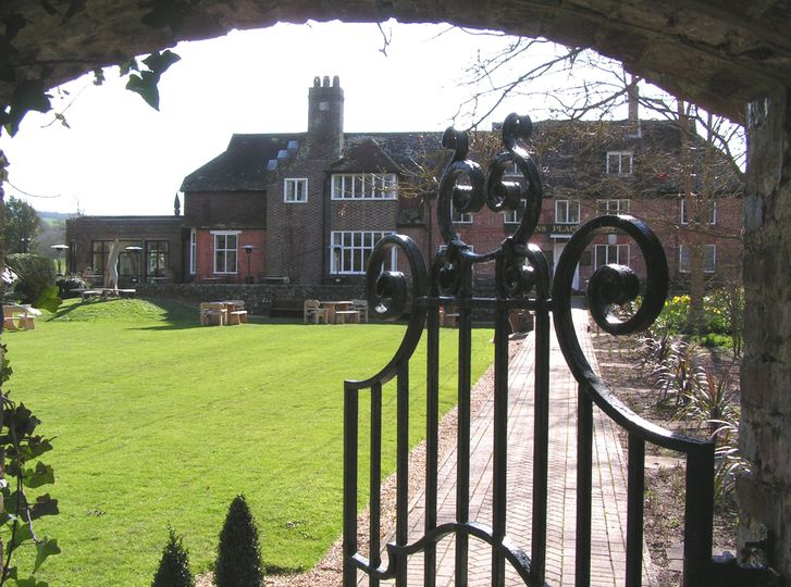 Deans Place Hotel Front Gate