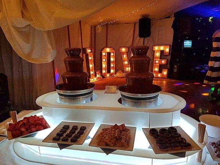 Small chocolate fountain package