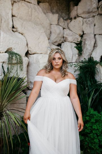 Relaxed bride vibe