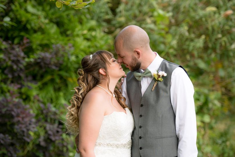 Herts Wedding Photography - First kiss