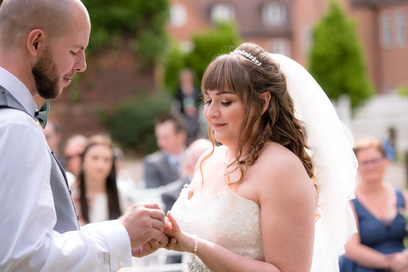 Herts Wedding Photography - Exchanging vows