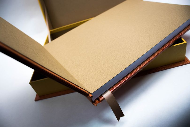 High-quality material and paper