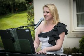 Jo Cordell - Singer and Pianist