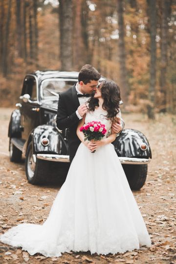 Cars and Travel English Wedding Cars 2