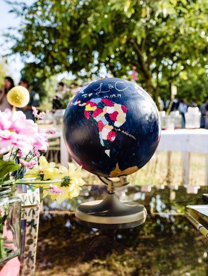 Bespoke guestbook globe