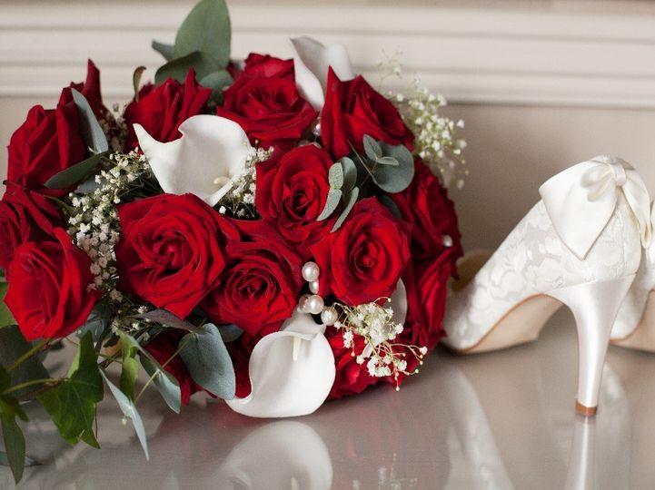 Red rose teardrop