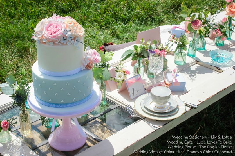 Blue and pink floral cake