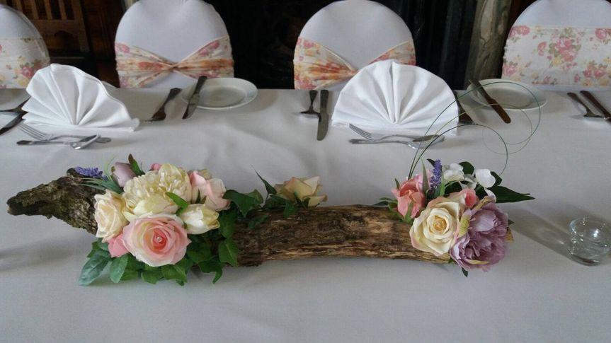 Table Log Arrangement - Silk