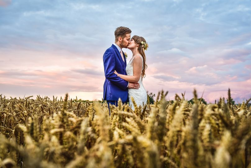 Couple in a field - Kevin Fern Photography