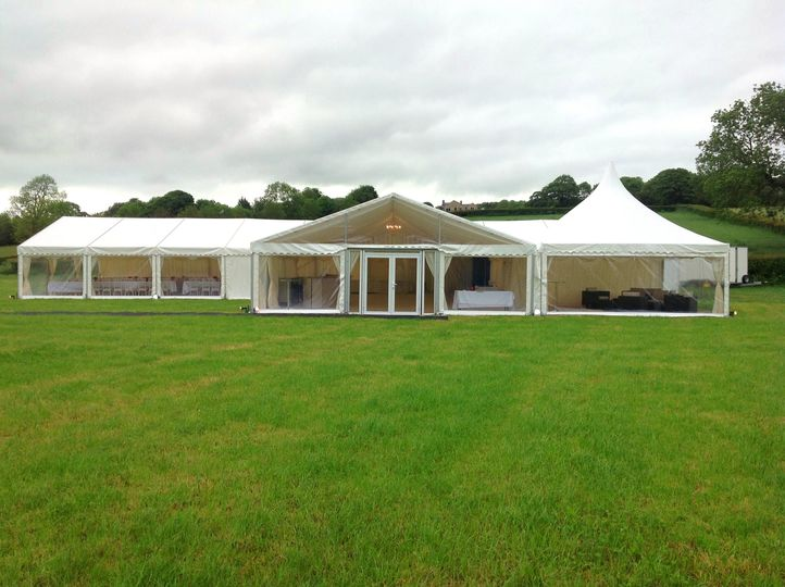 T-shaped marquee (cruciform)