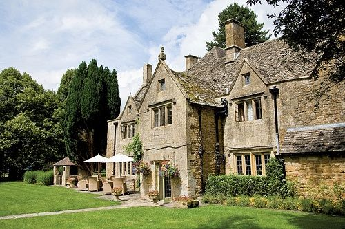 Historic wedding venue in the Cotswolds