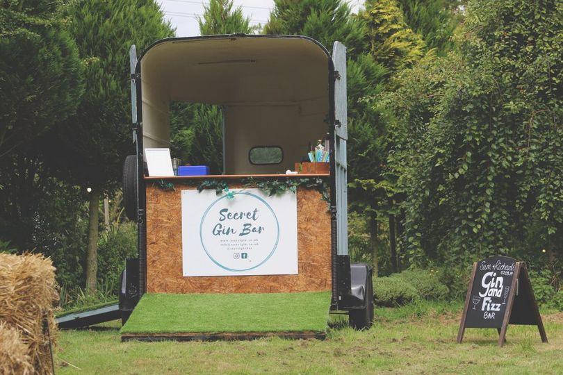 Horse box gin bar