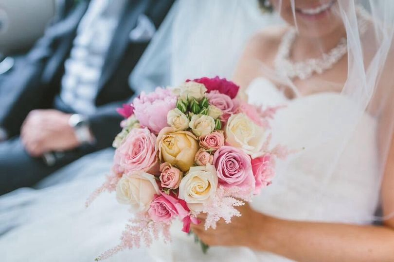 Handtied bridal