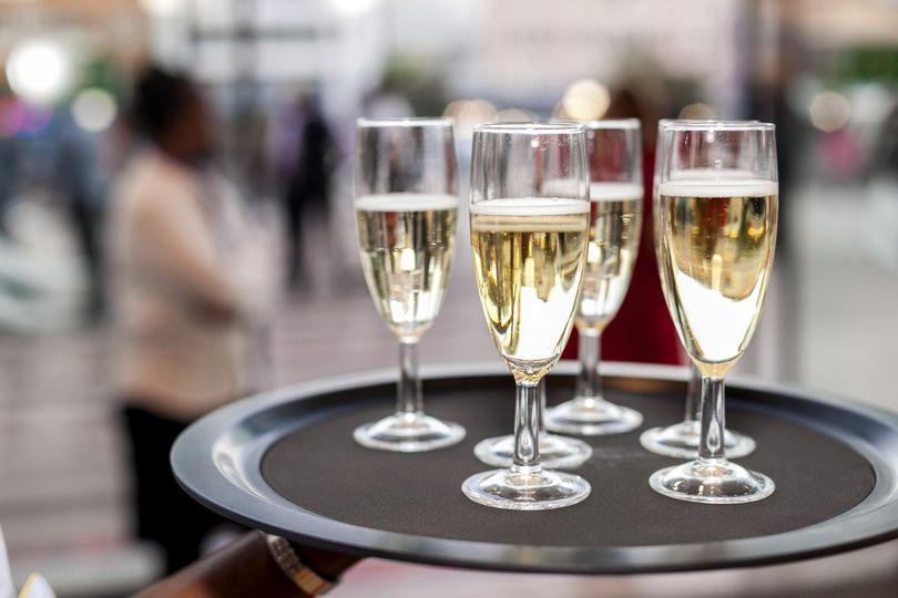 Champagne, please!