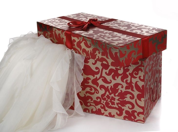 Hollywood Extreme Wedding Dress Storage Box for Dresses with many layers