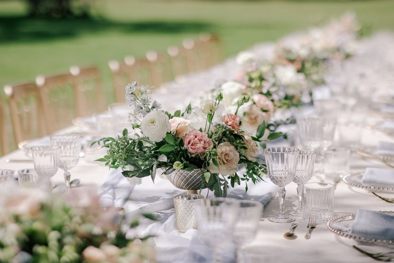 Footed bowl centrepieces
