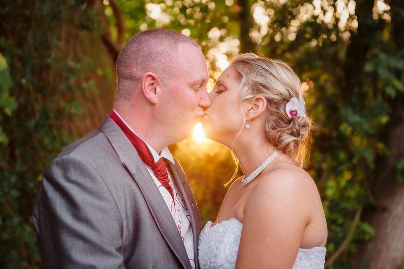 Couple kissing - Mark J Boyce Photography