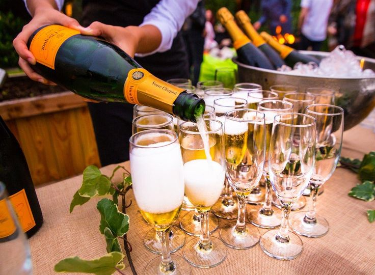sue bells 50th birthday party champagne 4 115125