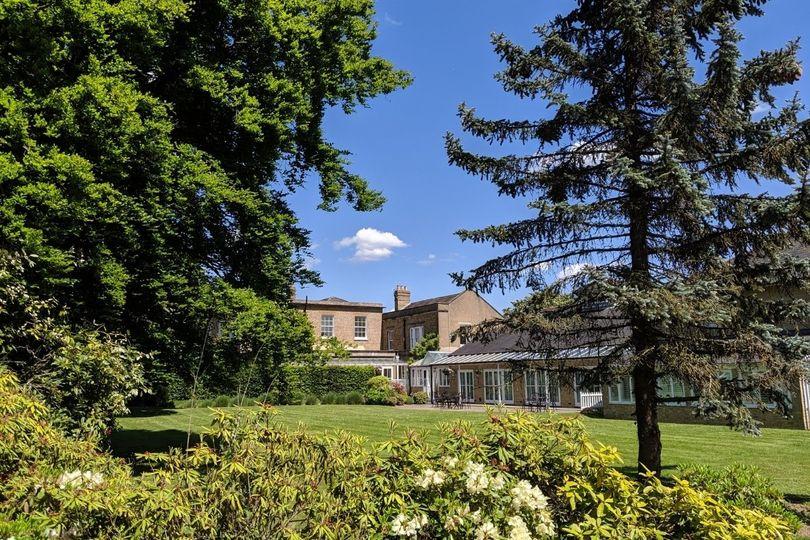 Hadlow Suite Lawns