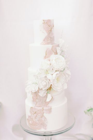 Detailed wedding cakes