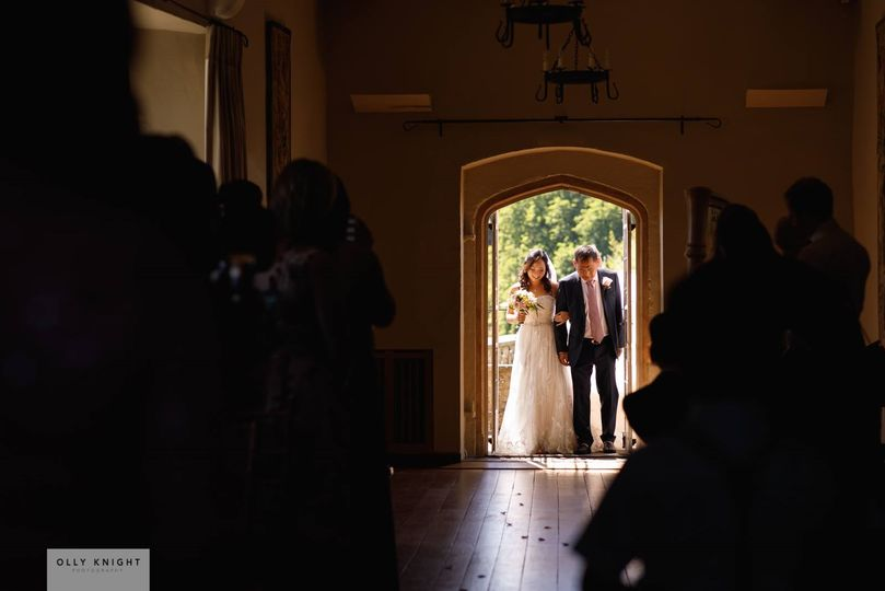 The bride arrives - Olly Knight Photography
