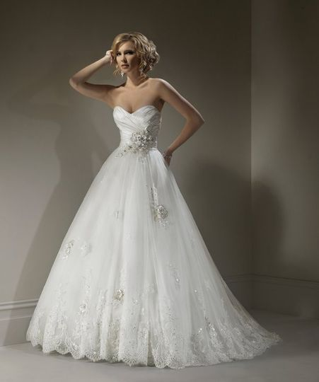 Flattering Bridal gown