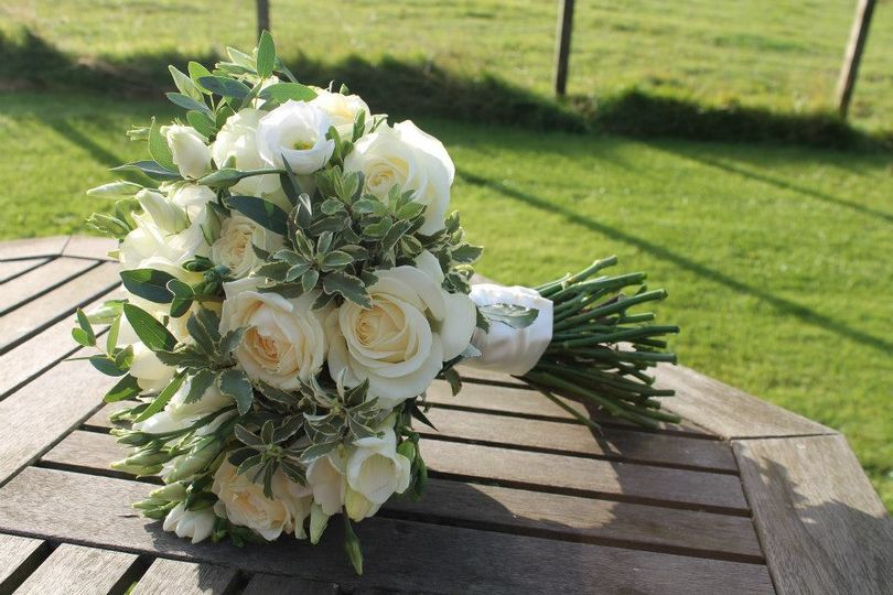 Ivory and cream bouquet