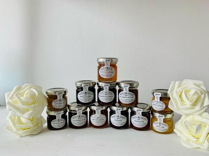 Jam, marmalade, honey, chutney