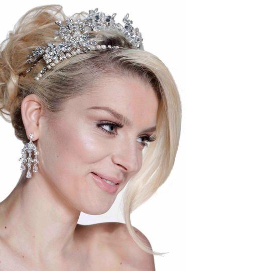 monika alejandra chandellier earrings 4 105341