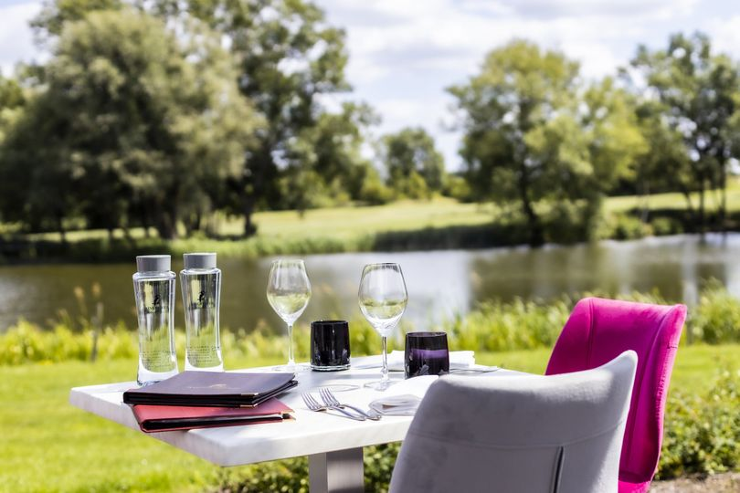 Relax outdoors at FIVE at Kingfisher
