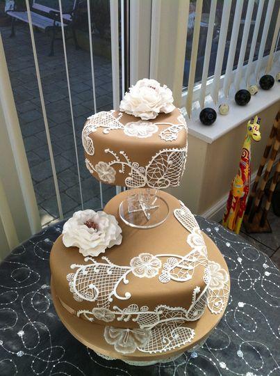 Brush Embrodery heart cake