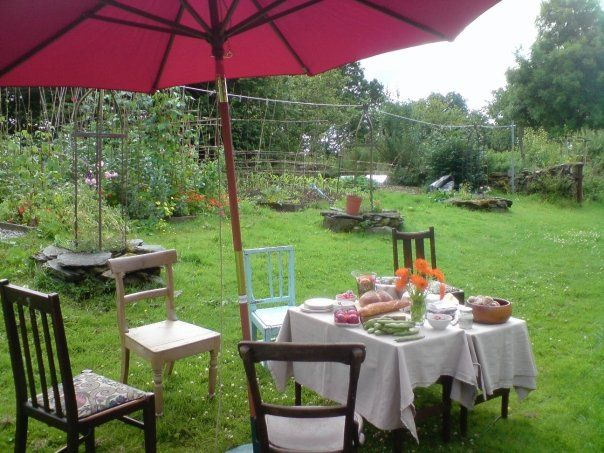 A relaxed Lunch in the Garden