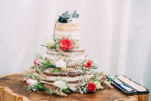Everyone loves a naked cake