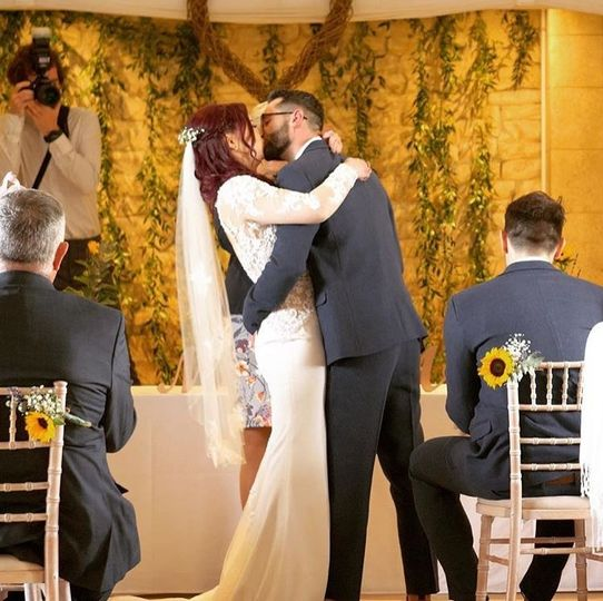First kiss as a married couple - ALS Videography
