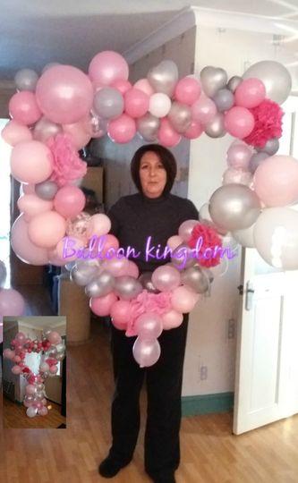 Balloon heart frame
