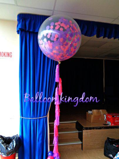 Confetti balloon with tassles