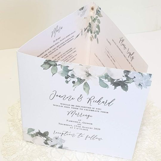 White roses concertina invite