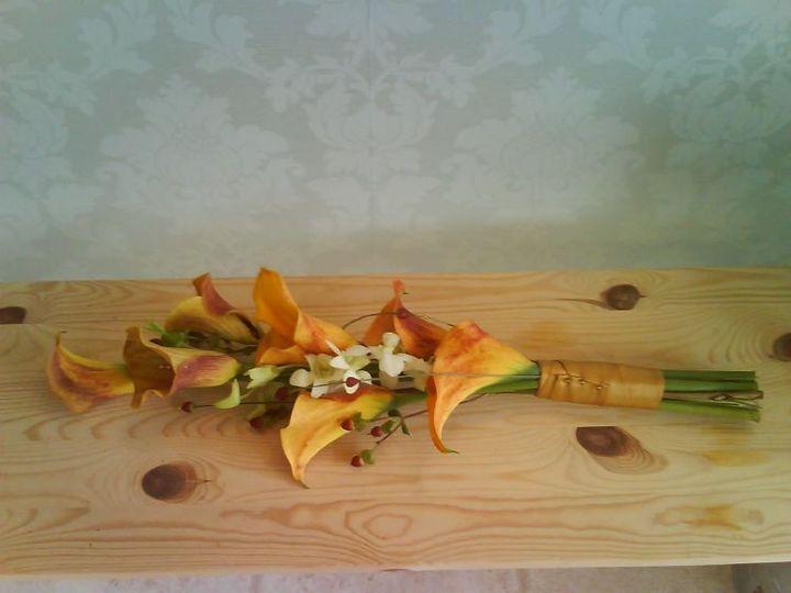 Brides overarm bouquet
