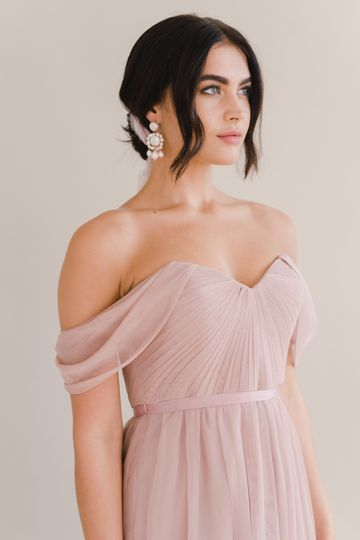 Off-the-shoulder Bardot 2.0 in Smoked Blush
