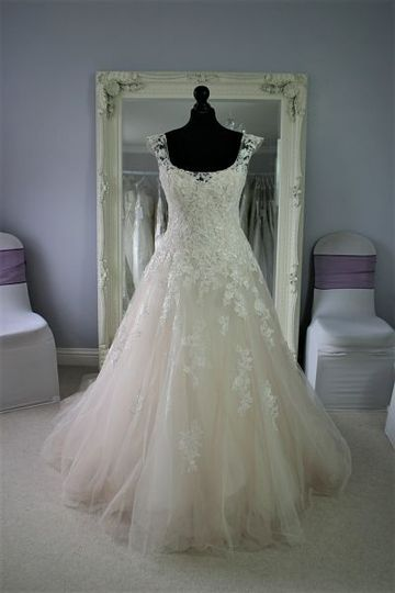 Bridalwear Shop Infinity Dresses 9