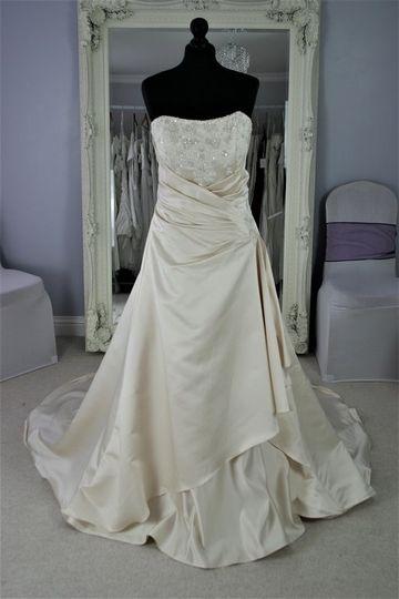 Bridalwear Shop Infinity Dresses 12